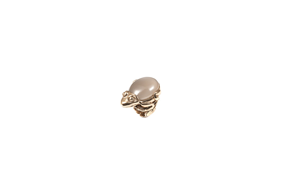 Frog ring with moon stone