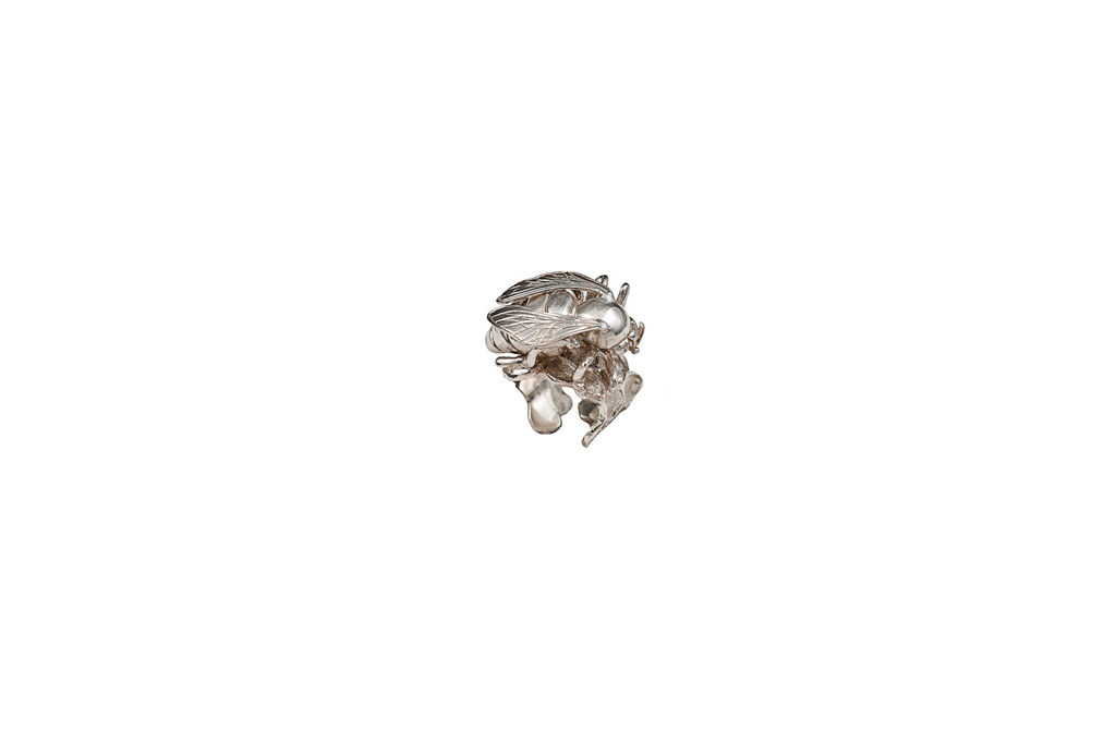 Silver bee ring