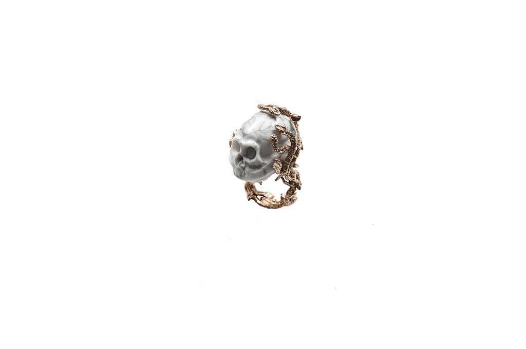 Butteflies ring with marble skull