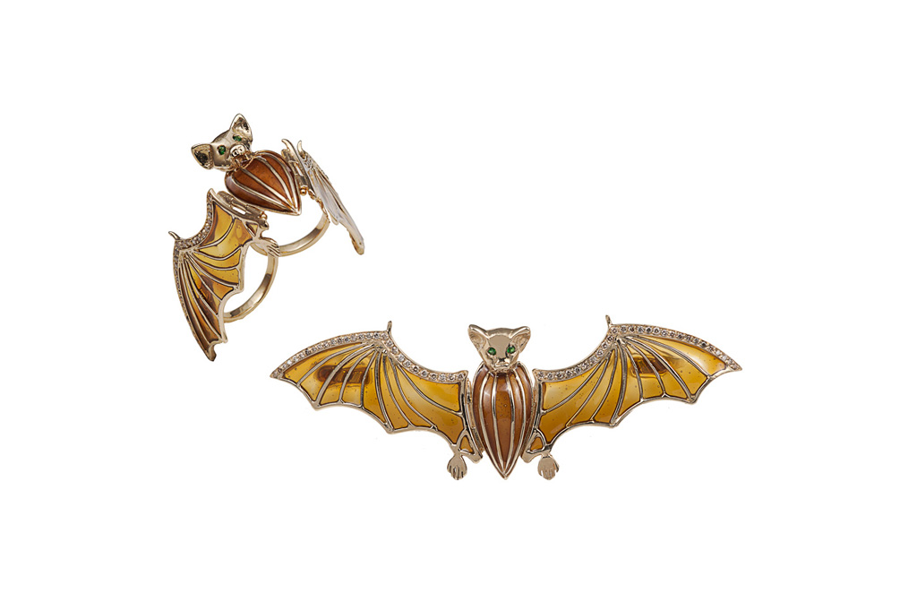 Gold flying bat ring with cognac diamonds