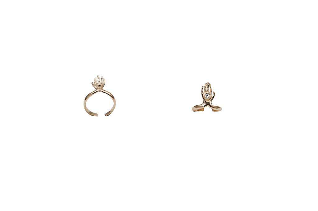 Gold midi ring with hand and diamond – dx/small / Gold midi ring with hand and diamond – sx/large