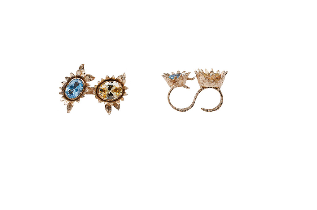 2 fingers bronze flowers ring with yellow and light blue cubic zirconia