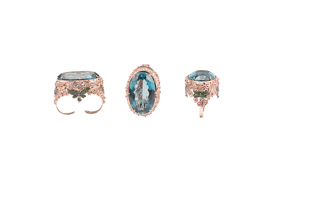 Butteflies and flowers double finger gold ring with blue topaz