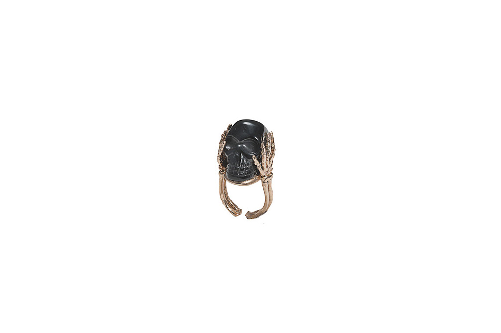 Skeleton hands ring with onyx -man
