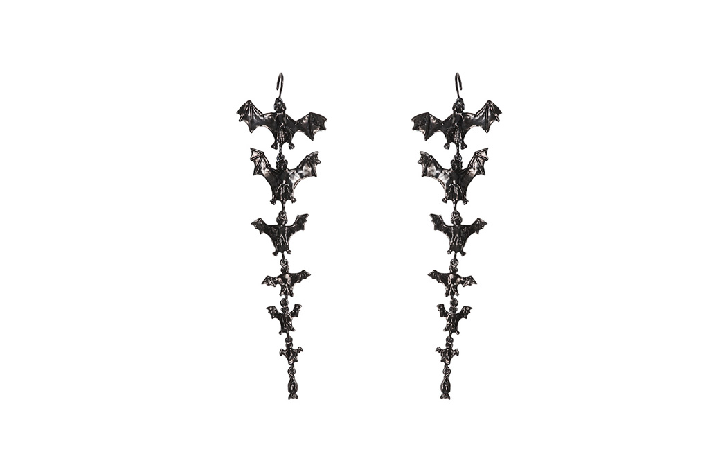 7 black bats earrings bronze