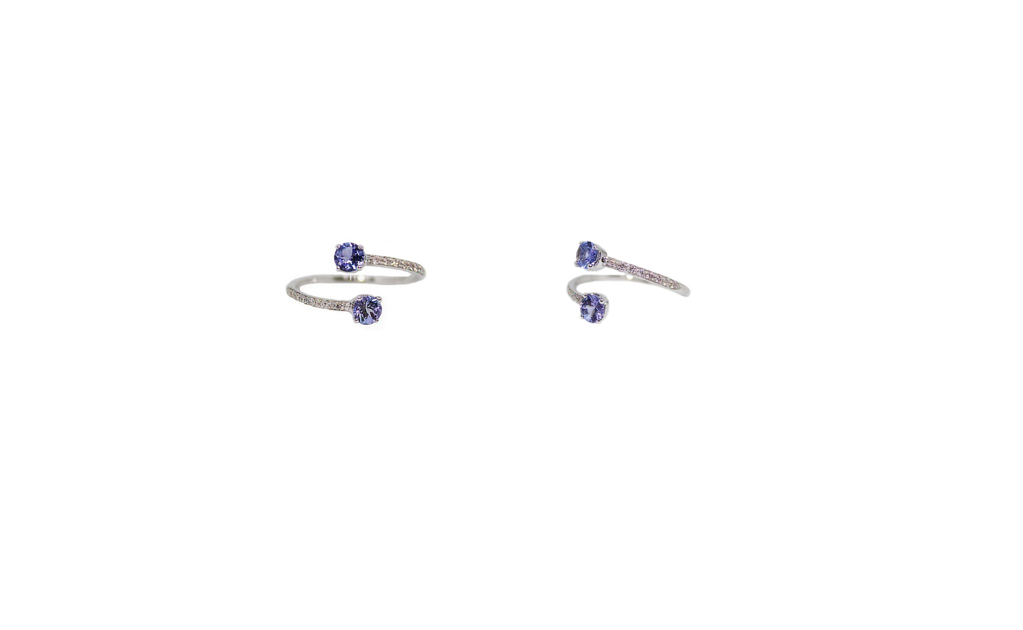 Contrarié gold ring with pavé diamonds and 2 tanzanites
