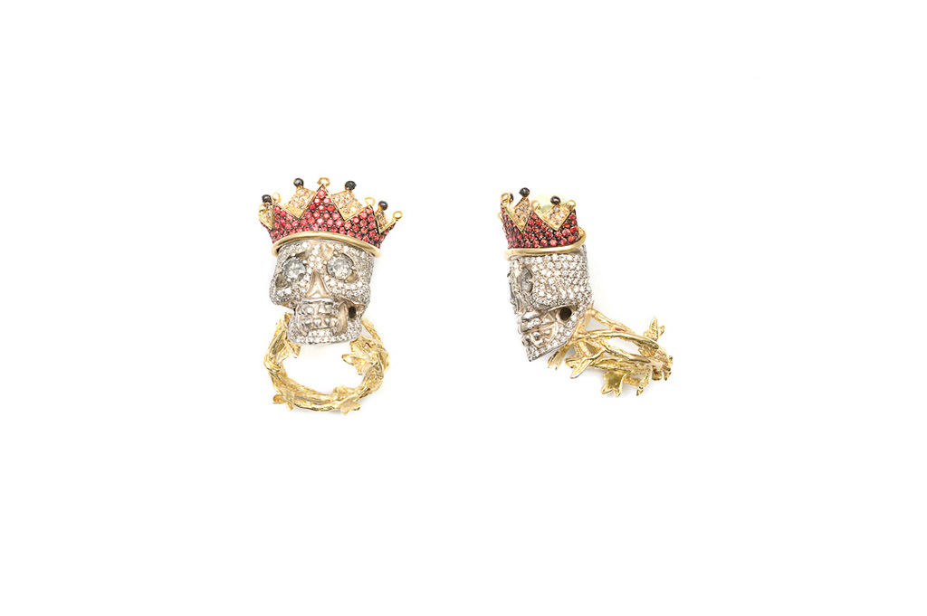 Diamond pavé skull ring with crown GOD SAVE THE KING