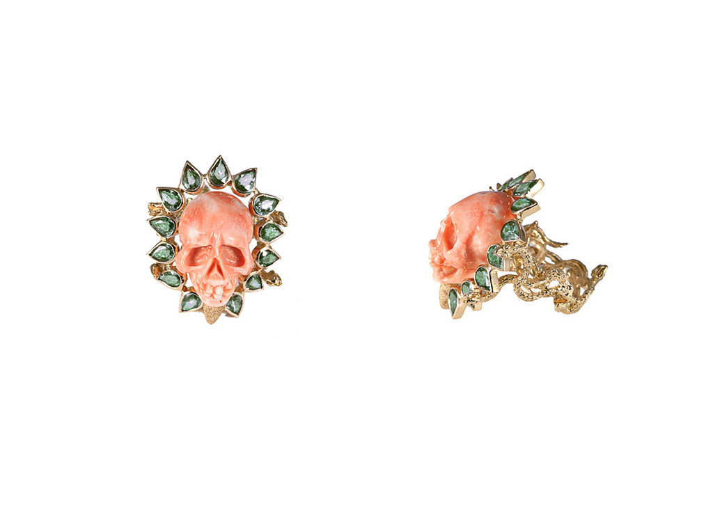 Coral skull ring with corolla of  green drop sapphires SANS SOUCI