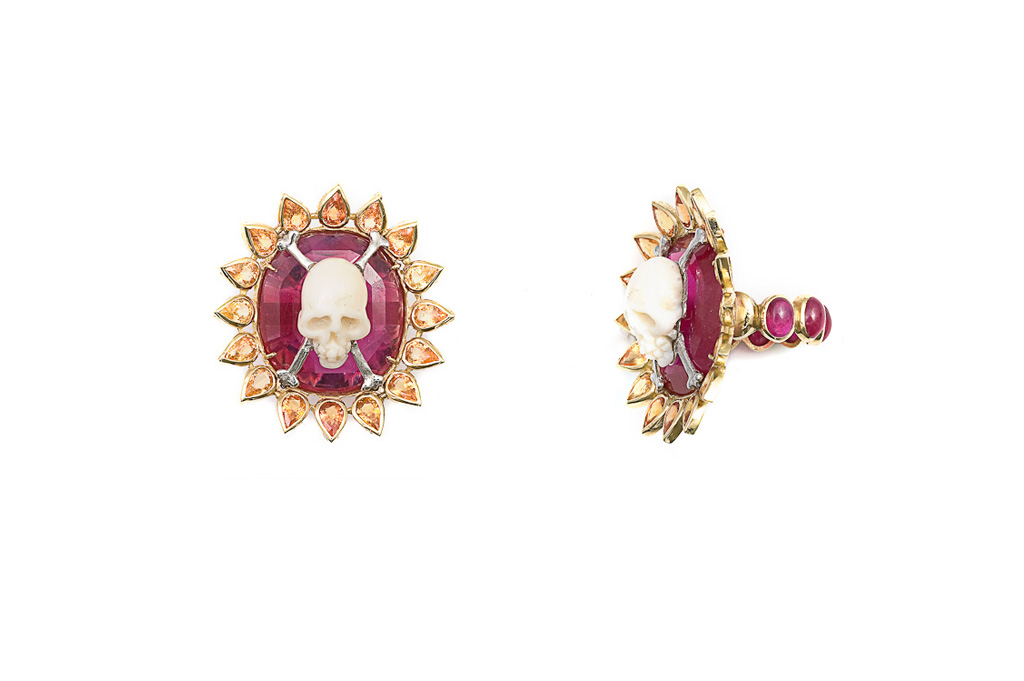 Ruby ring with coral skull ROI SOILEIL