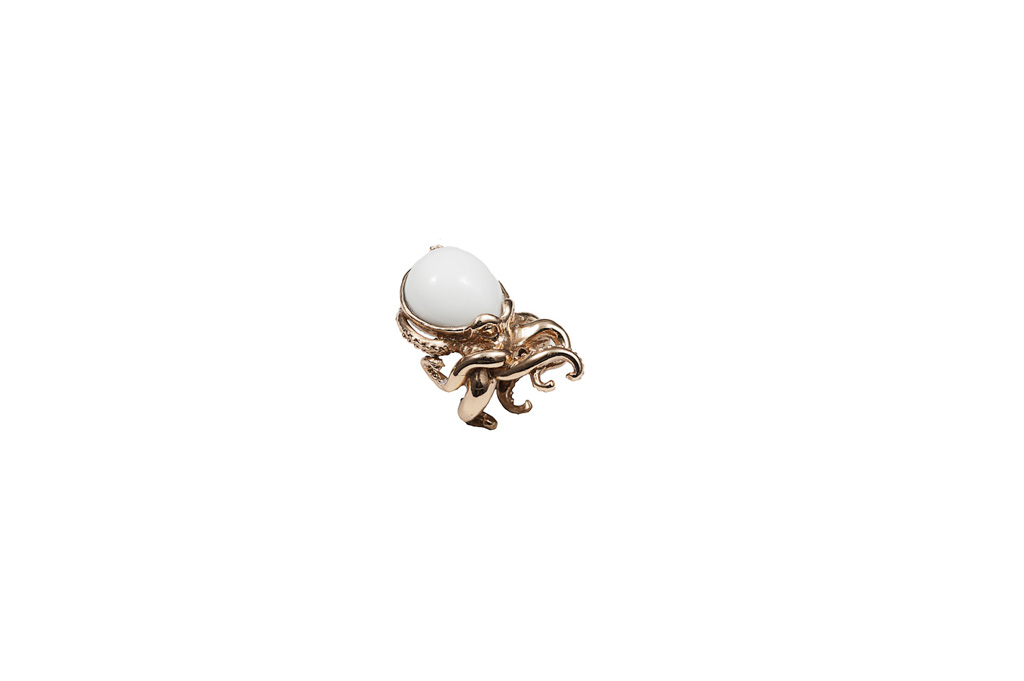 Octopus bronze ring with agate