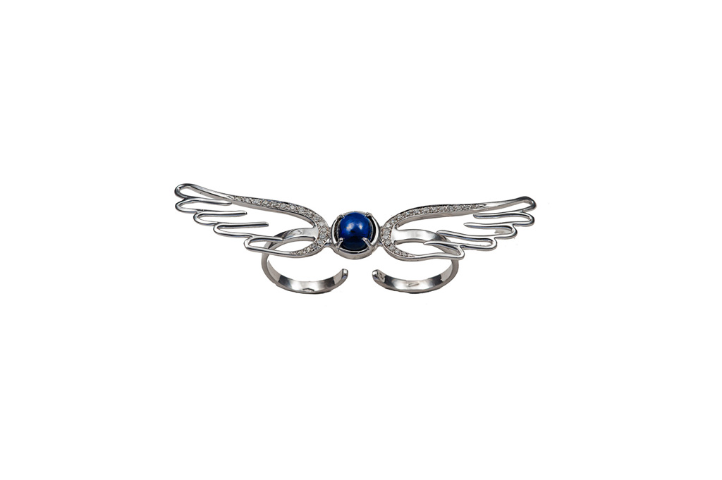 White gold double finger wings ring with sapphire and diamonds