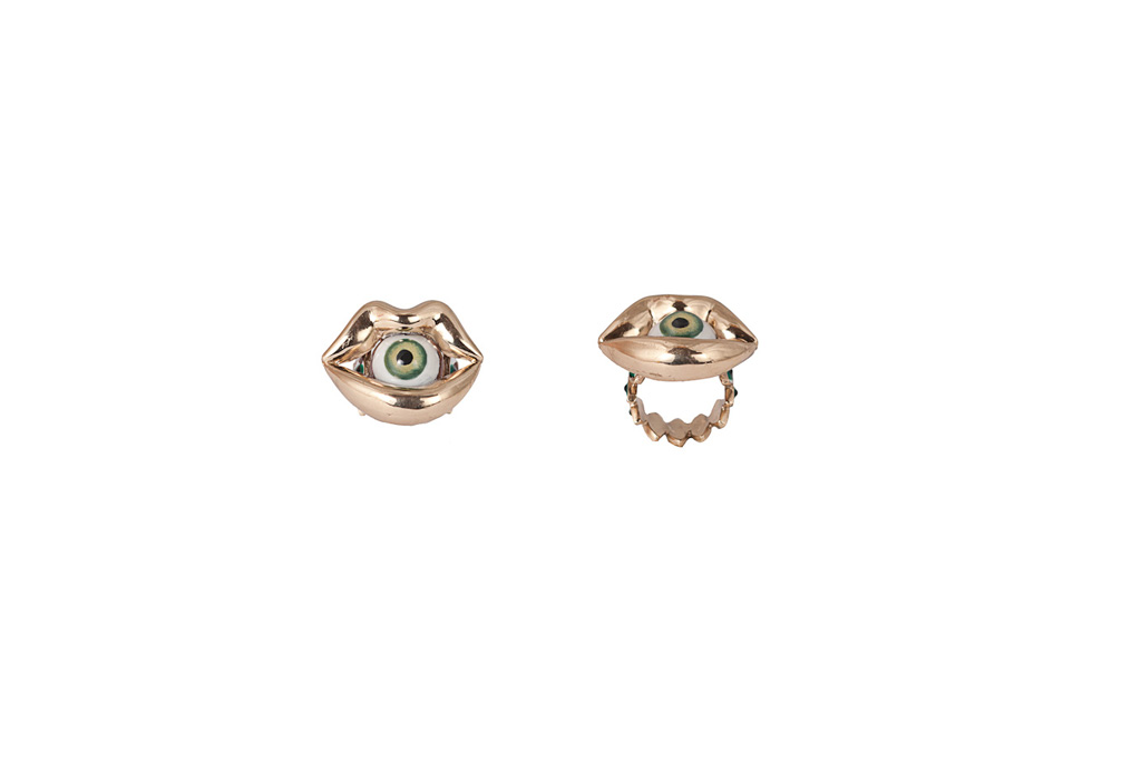 Bronze mouth ring with eye