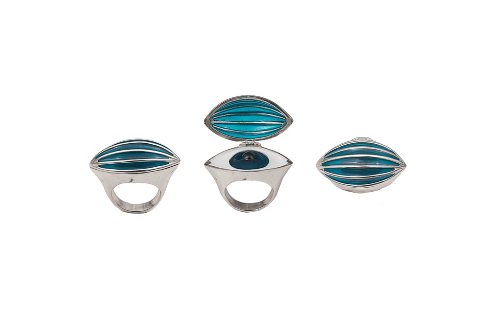 Silver poison ring with eye