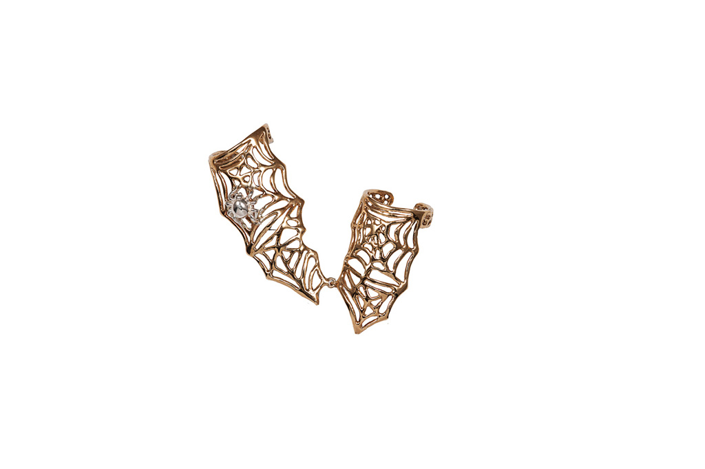 Thumb-forefinger ring with bronze webs and silver spider