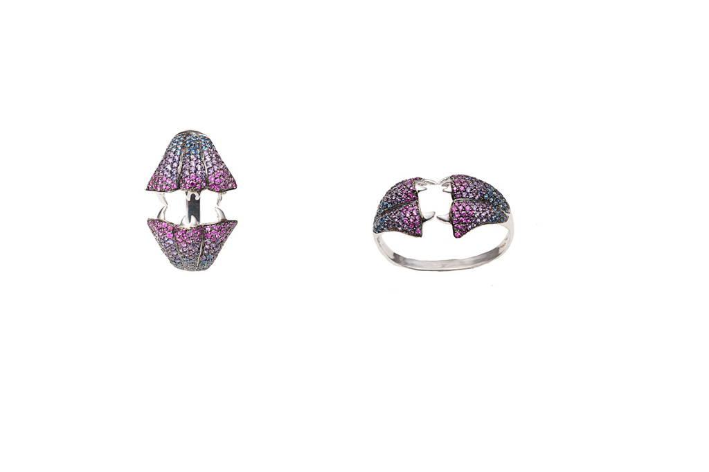 Carnivorous flower gold pavé ring with sapphires and amethysts