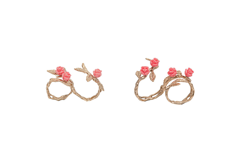 Bronze 2 fingers leafy ring with 3 pink resin roses / Bronze 2 fingers leafy ring with 4 pink resin roses