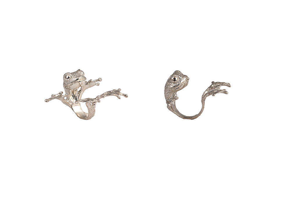 Silver big paws frog ring