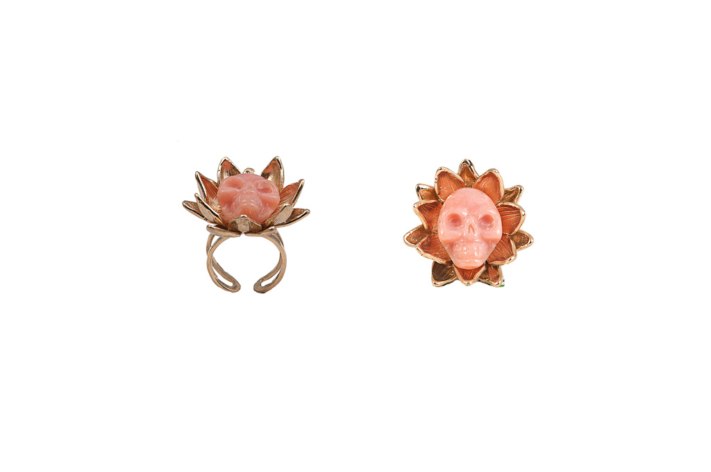 Lotus flower bronze ring with opale skull