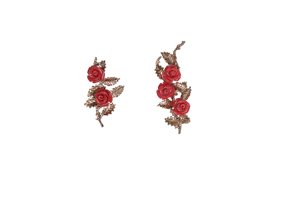 Bronze earrings with red resin roses