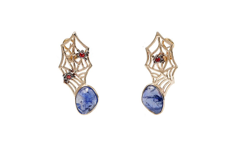 Web and spider gold earrings with tanzanite