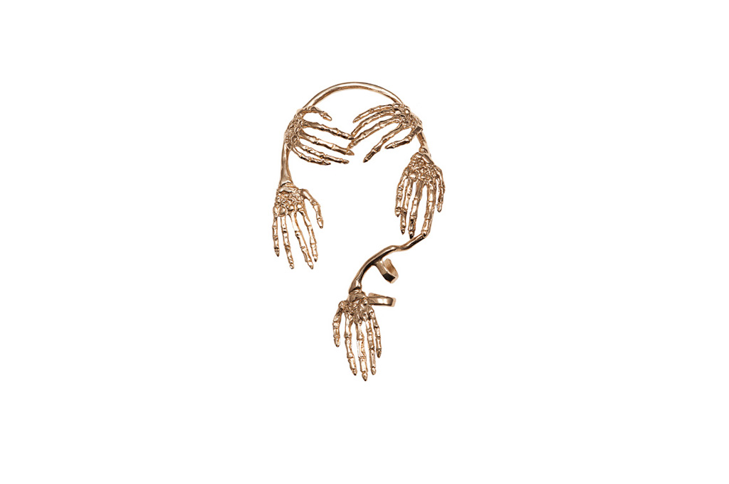 Skeleton hands bronze mono-earring
