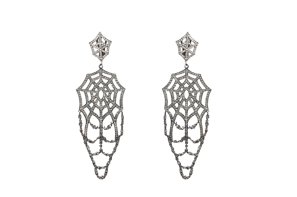 Big web earrings with grey diamonds