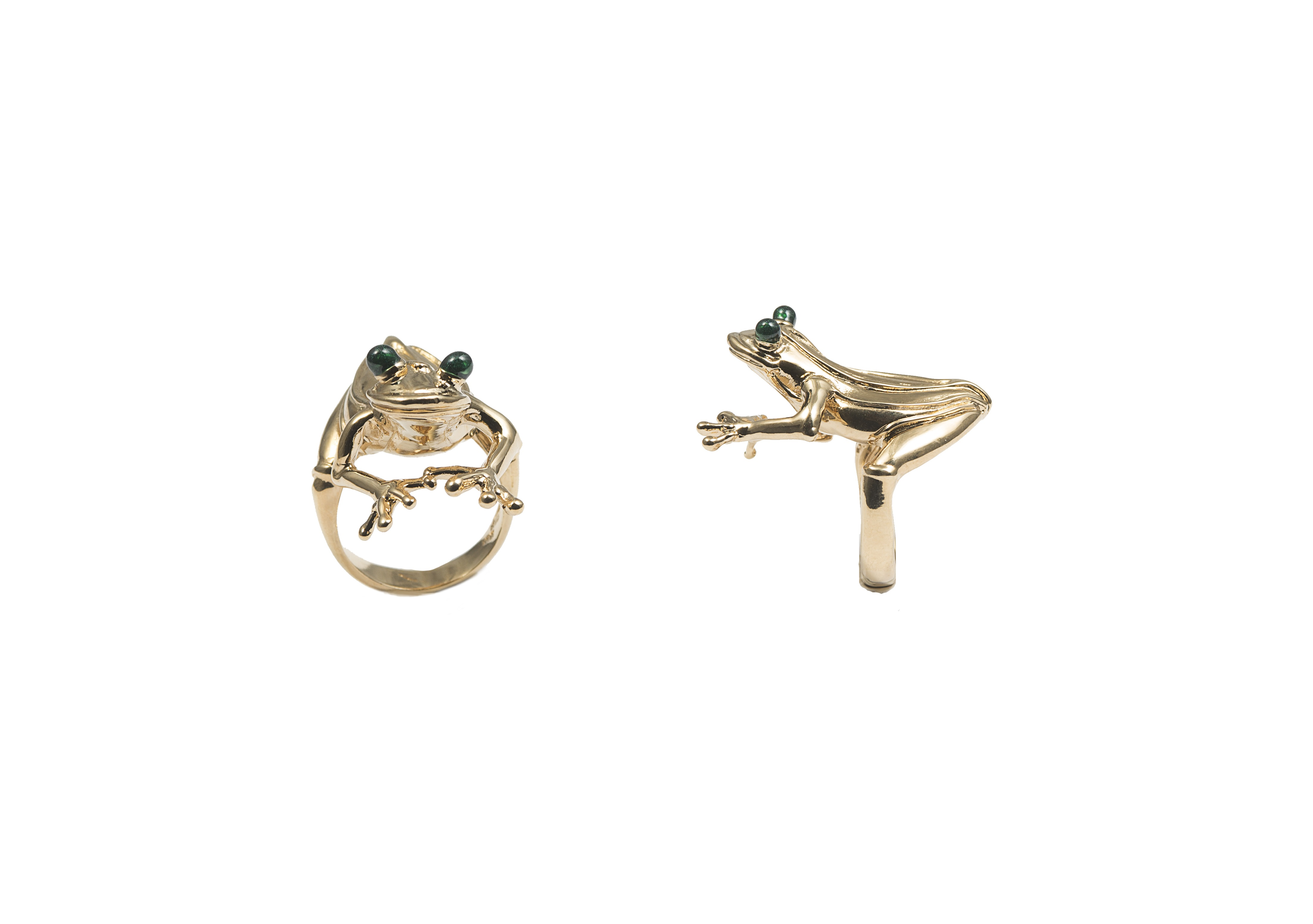 Small froggy bronze ring