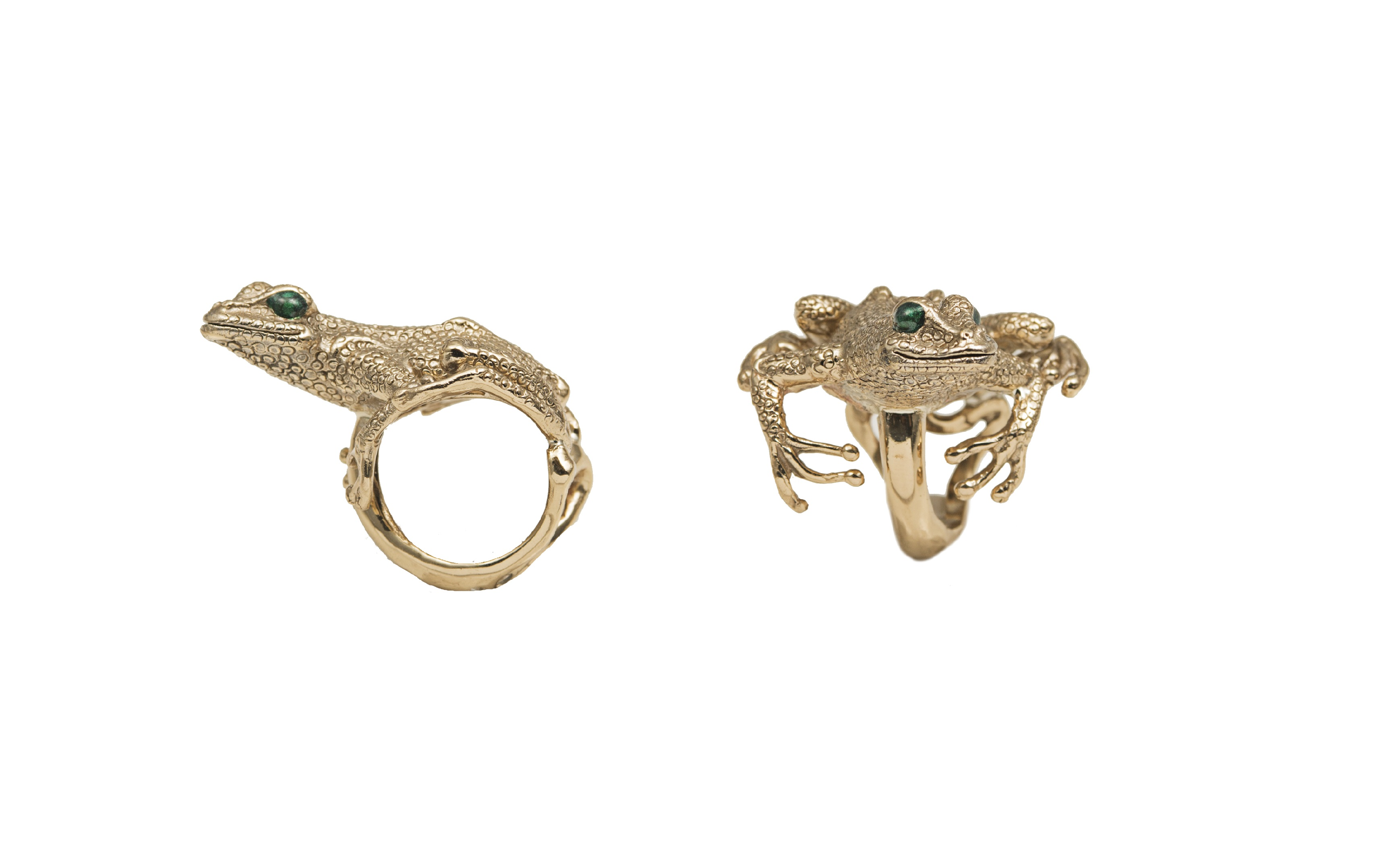 Long froggy bronze ring