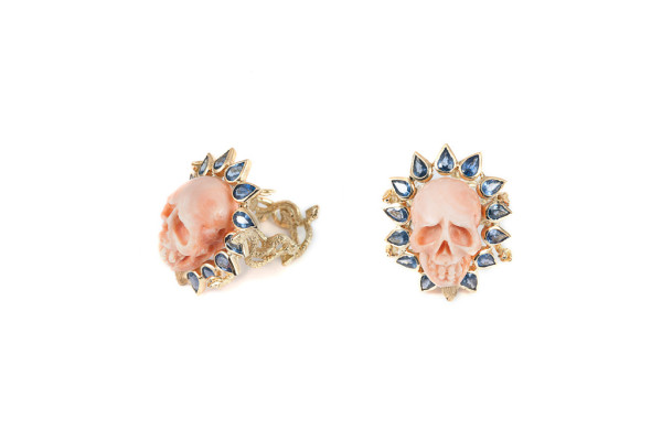 Coral skull ring with corolla of drop blue sapphires LAST DANCE
