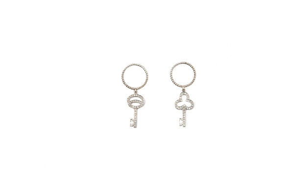 Band ring with diamonds pavé round key / Band ring with diamonds pavé clover key