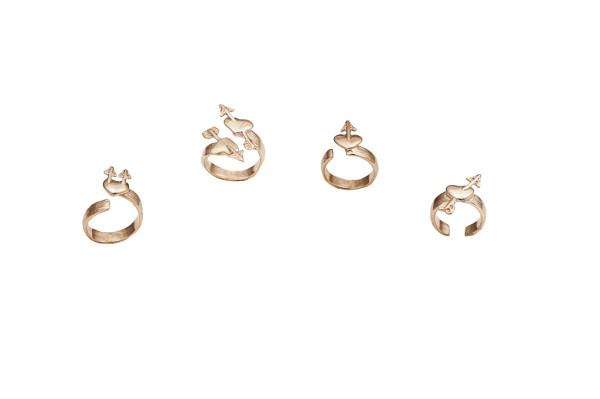 Set of 4 bronze rings with heart and arrow