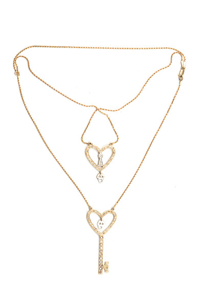 Double heart key pendent with skull