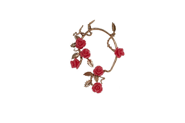 Bronze mono-earrings with red resin roses