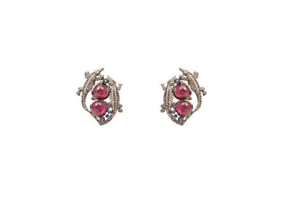 Crocodiles gold earrings with glass-treated rubies