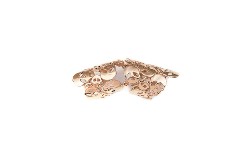 Knuckle ring with skulls