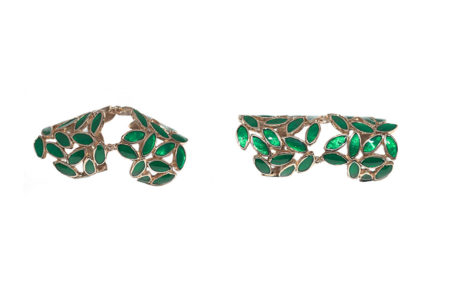 Knuckle bronze ring with green rhombs
