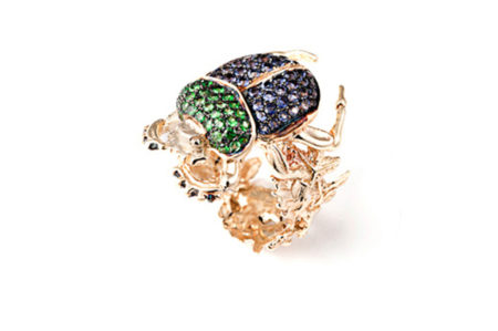 Gold scarab ring with iolite and zavorite