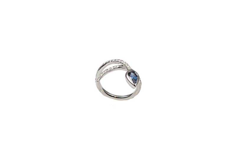 White gold snakes ring with diamonds and sapphire- style 3