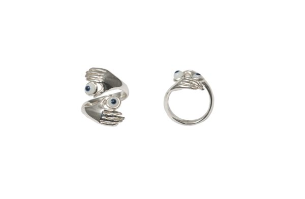 Contrarié silver ring with hands and eyes