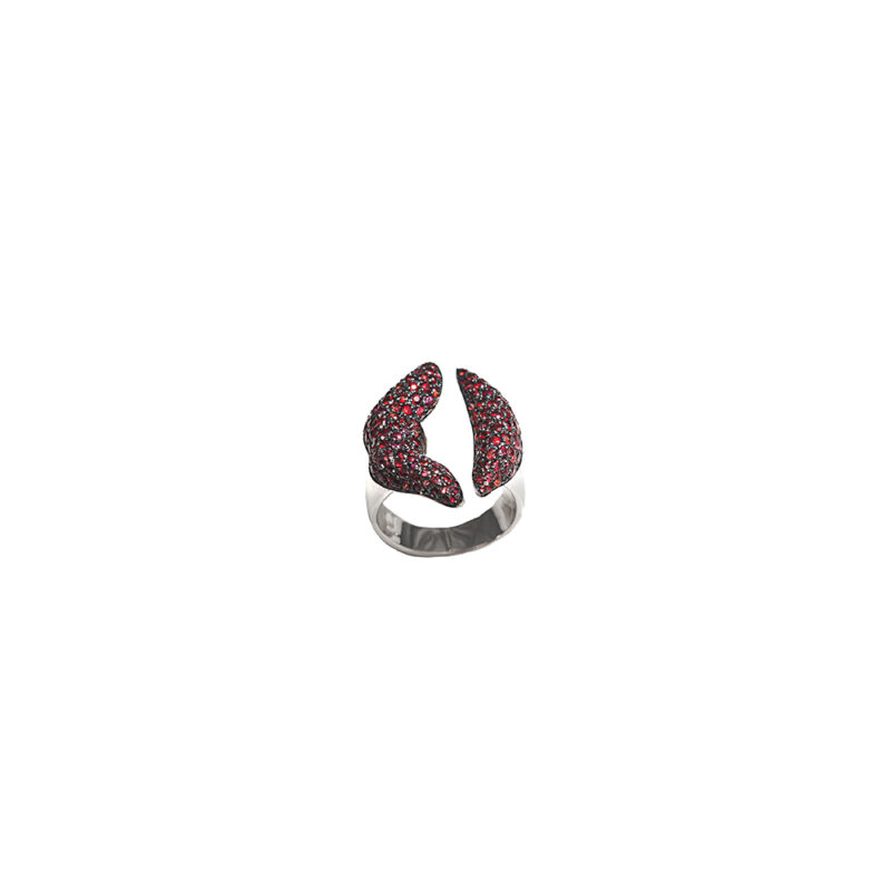 Gold mouth ring with red sapphires