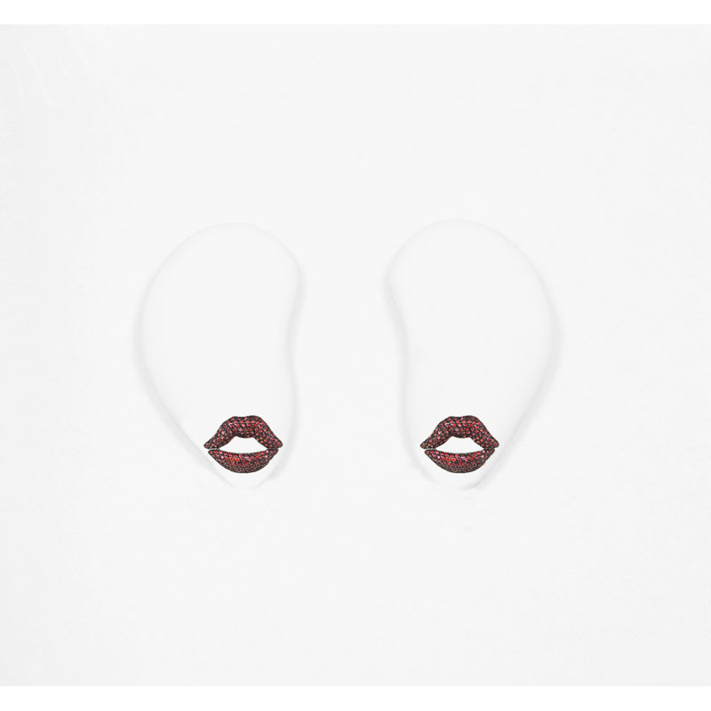Mouth pavé earrings with red sapphires